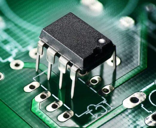 produkcja elektroniki - montaż tht